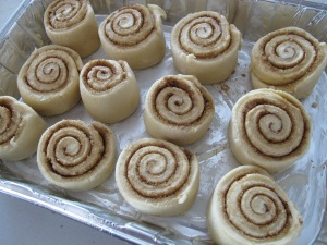 Cinnamon Rolls (27)
