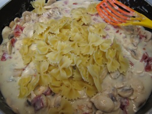 1 Farfalle with Chicken and Mushrooms (20)